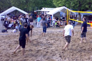 Beachvolleyball mit Bounce